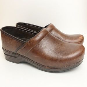 Dansko Brown Clogs Size 38 7.5-8